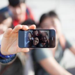Qual è la vera utilità dei selfie? Campagne e applicazioni originali
