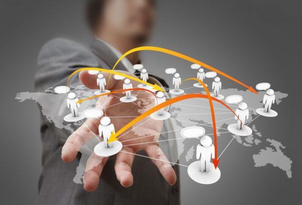 Scalabilità, vitalità e media boost: il ritmo di crescita sui social network.
