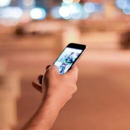 Come si informano i Millennial tra video, scrolling e notizie personalizzate