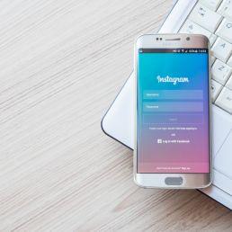 Instagram introduce una nuova funzione: arrivano gli album