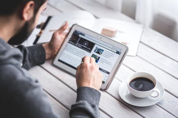 Quotidiani online, c'è il riconoscimento giuridico: quali le implicazioni critiche?