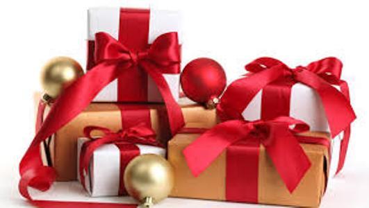Natale 2016: quali regali preferiscono i giovani? Ecco la top ten