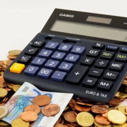 Fatturazione ogni 28 giorni tra telecomunicazioni e pay tv: la situazione