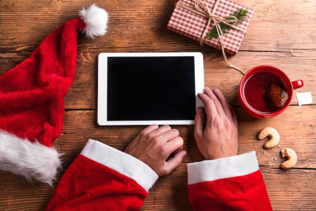 Natale 2017 sui social: cosa faranno gli italiani online?