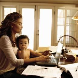 Lavoro femminile: donne alla ricerca di equilibrio tra famiglia e carriera