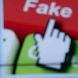 Fake news: serve davvero un bottone rosso della Polizia per combatterle?