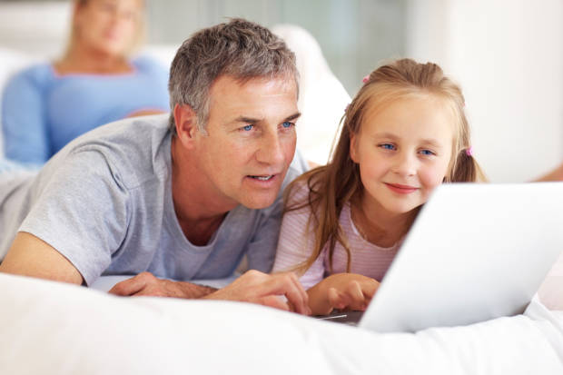 I papà sul web: genitori sempre più digitali e daddy blogger