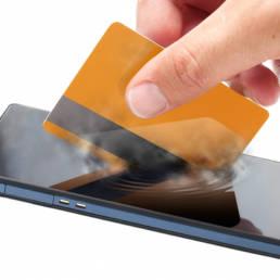Spot Banca Mediolanum per le applicazioni Pay: tra differenze e analogie