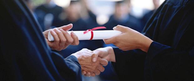 Premio per le tesi di laurea: dettagli e requisiti