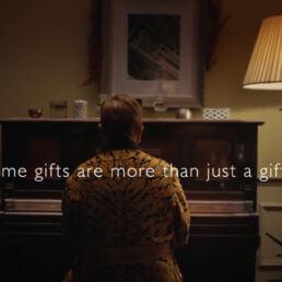 Spot di Natale 2018 tra musica, creatività e sentimento