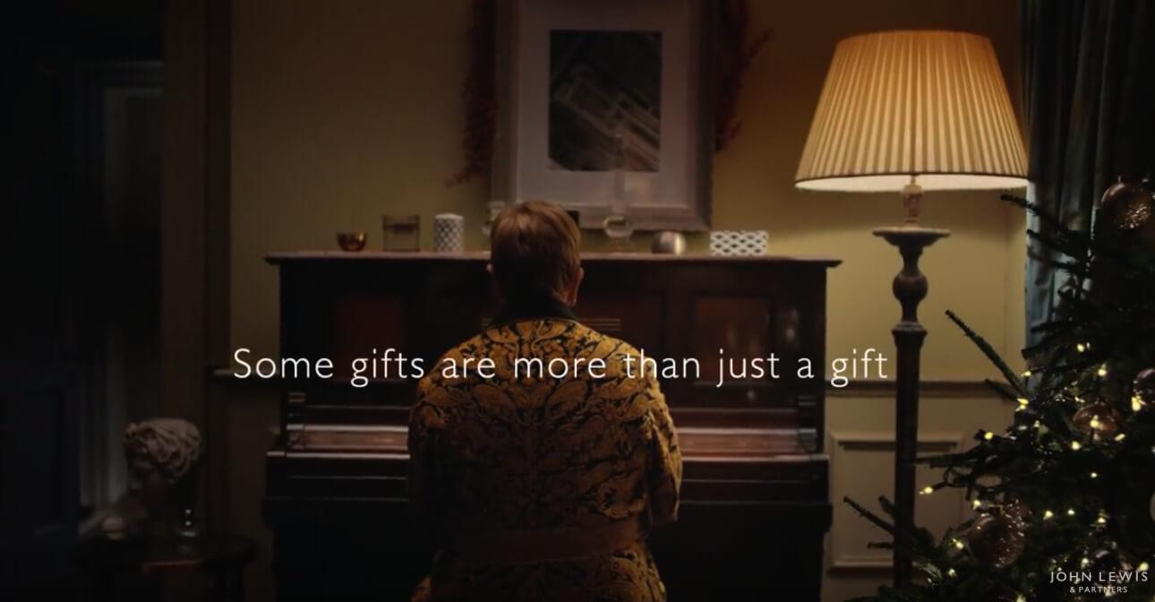 Amico Stella Canzone Di Natale.Spot Di Natale 2018 Tra Musica Creativita E Sentimento Inside