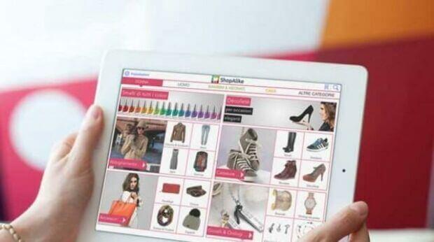 Aumentano i resi di vestiti e accessori fashion e la colpa è (anche) di Instagram