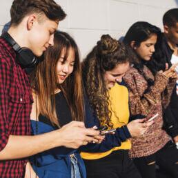 Adolescenti e social network: un rapporto controverso
