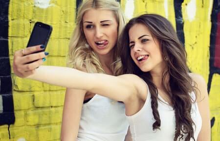 Adolescenti e media in Campania: dalle abitudini di consumo ai rischi che corrono