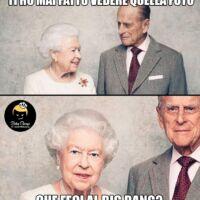 buco nero real time marketing meme regina elisabetta