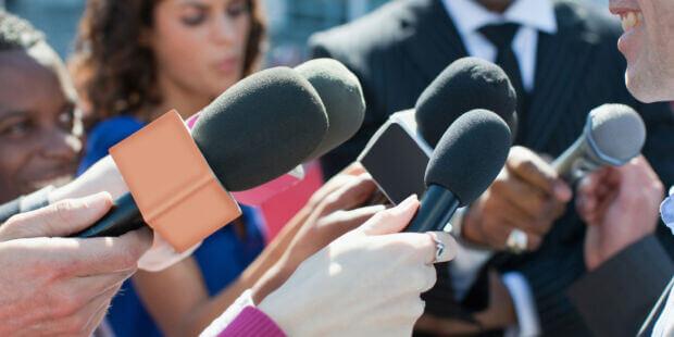 Molestie sessuali contro le giornaliste italiane: per la FNSI è una questione «pervasiva»