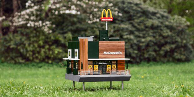 Aperto un micro McDonald's per le api: ecco l'alveare creato in Svezia dalla catena di fast food