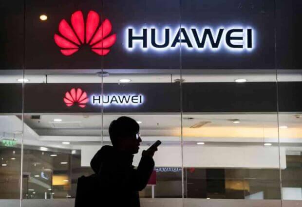 Scontro tra Google e Huawei: sospesa la licenza Android per i cellulari fuori dalla Cina