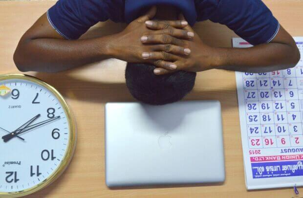 La gestione del tempo di lavoro fra stress e scadenze