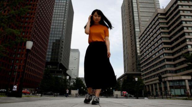 Cos'è la campagna giapponese contro l'obbligo dei tacchi a lavoro che strizza l'occhio al #MeToo