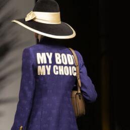 La sfilata Gucci pro-aborto e la corporate diplomacy