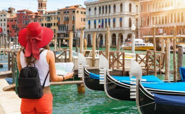 Calano le presenze ma non la spesa dei turisti stranieri e le ricerche in Rete: dati e prospettive sul turismo in Italia 2019