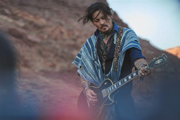 Lo spot di Dior con Johnny Depp accusato di razzismo: la campagna è stata rimossa dai social