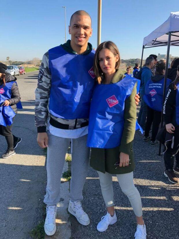 Daniele Sandri e Gracia de Torres durante l'iniziativa nata nell'ambito del movimento