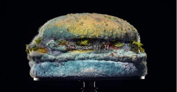 Perché realizzare una campagna pubblicitaria con un panino ammuffito? Burger King punta sul cibo