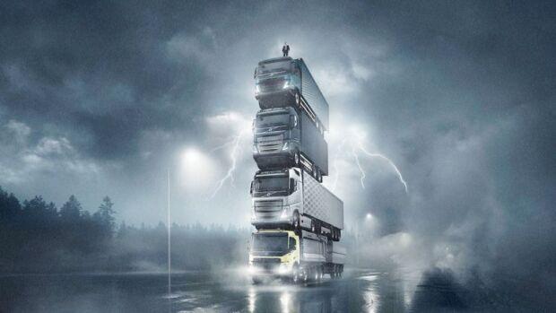 Lo spot di Volvo Trucks: una torre di camion e altri