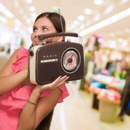 radio in negozio durante la fase 2