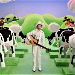 Burger King propone una nuova dieta per le mucche per ridurre le emissioni di metano