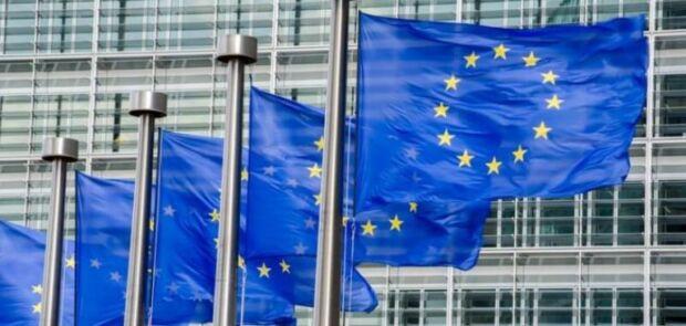 Con il Digital Services Act l'Europa chiederà più trasparenza e responsabilità a piattaforme e gestori di servizi digitali (ma la strada è ancora lunga)