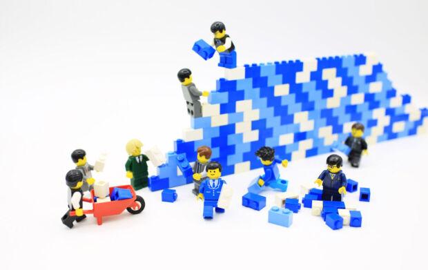 Il case study di LEGO: cosa ci insegna sul bisogno delle aziende di sperimentare, di adattarsi e di reinventarsi