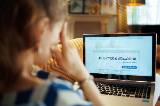 Social detox: come eliminare (temporaneamente o definitivamente) gli account social