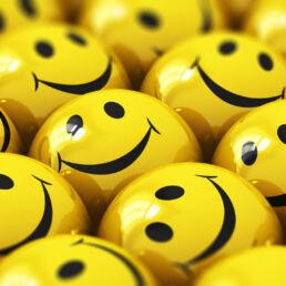 Quanto siamo felici sui social: uno studio