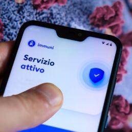 Uso di Immuni tra i professionisti italiani: solo uno su due ha l'app